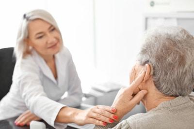 Как выбрать сурдолога или специалиста по слухопротезированию?