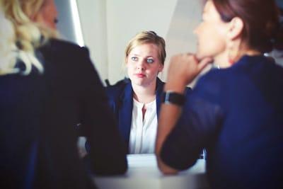 Как сделать общение с нарушением слуха проще?
