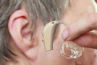 Как часто нужно менять слуховой аппарат?