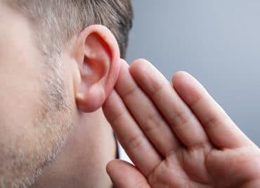 Что такое потеря слуха с обратным уклоном (низкочастотная)?
