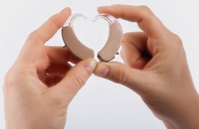 Два слуховых аппарата лучше, чем один