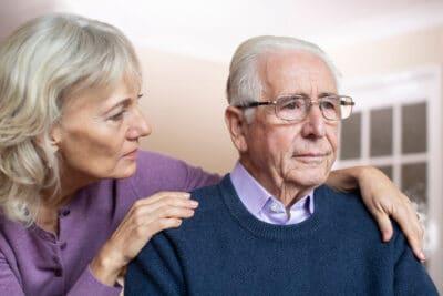 Как поддержать близкого человека с потерей слуха