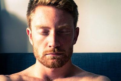 Медитация, как средство облегчения шума в ушах